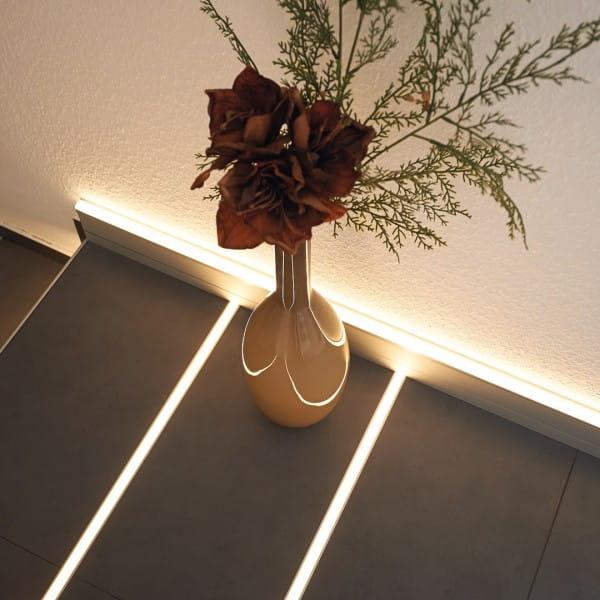 Dural LED Basisprofil Einsatz am Boden